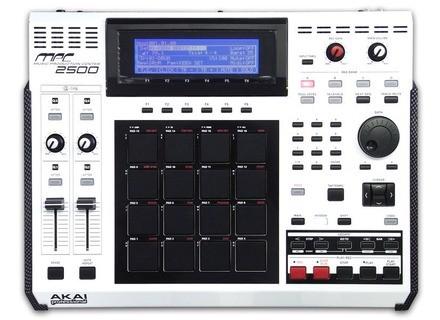 Akai MPC2500 SE