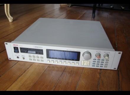 Akai Professional S2800i