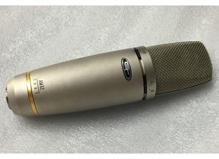 Alesis AM62