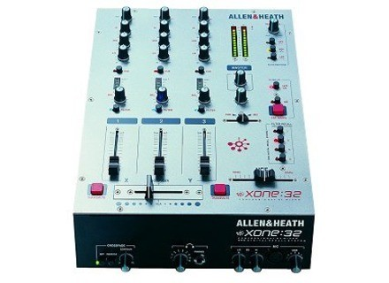 Allen & Heath Xone:32 (Old Design)