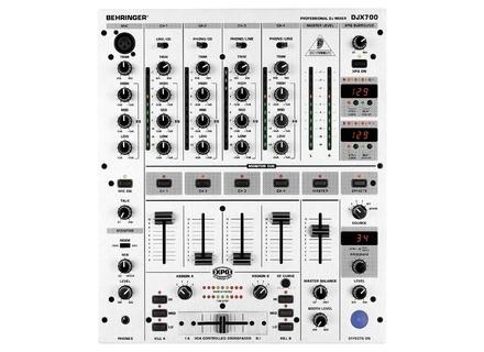 Behringer DJX700