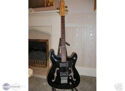 Burns Guitars 704 bass