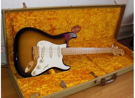 Fender 50th Anniversary American Deluxe Stratocaster (2004)