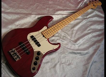 Fender American Deluxe Jazz Bass [1998-2001]
