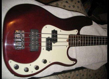 Fender American Deluxe Precision Bass [1998-2001]