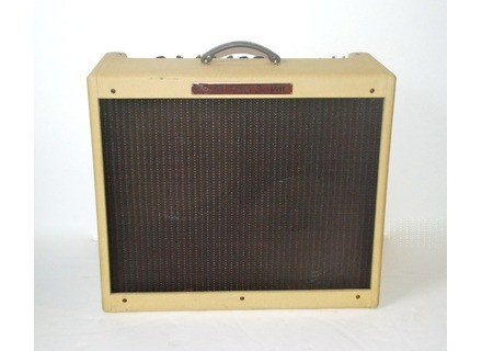 Fender Blues DeVille 212