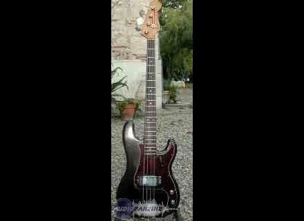 Fender Precision Bass (1977)