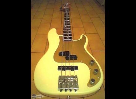 Fender Precision Bass Special