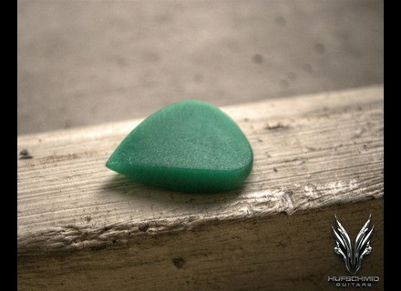 Hufschmid Guitars 'regenerated green UHMWPE' Drop Plectrum