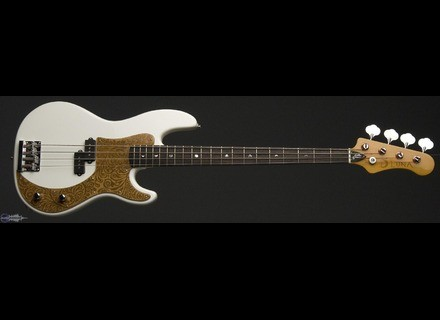 Luna Guitars Paz Lenchantin Signature Bass