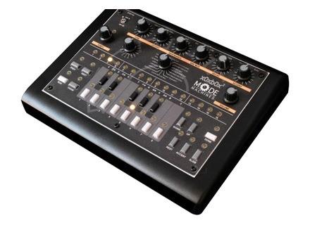 Mode Machines x0xb0x Socksbox 2 TB-303 Clone