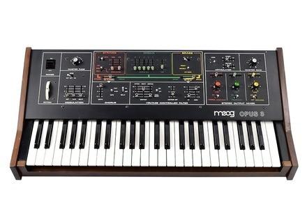 Moog Music Opus 3