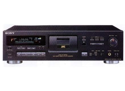 Sony DTC-790