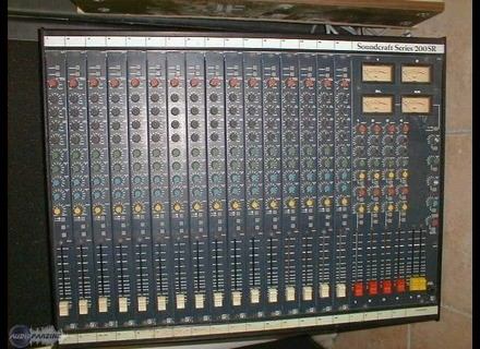 Soundcraft 200R 16/4/2
