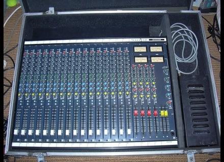 Soundcraft 200SR