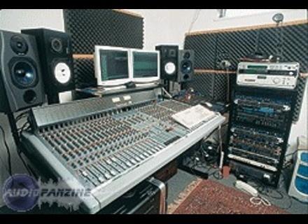 Studiomaster P7