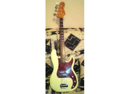 1 vintage 62 electric bass guitar