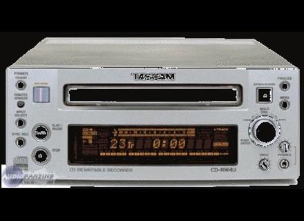 Practical and useful - Reviews Tascam CD-RW4U - Audiofanzine