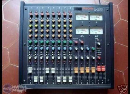 Tascam M-208