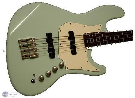 Trace Elliot T Bass