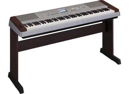 Yamaha DGX-640