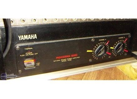 Yamaha P2100