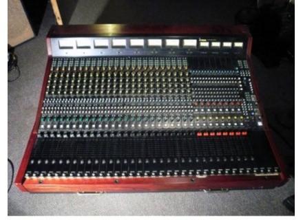 Yamaha PM 2000