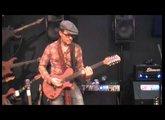 Ihâb Radwan PMC Guitars Byblos (oud guitare) Seymour Duncan, Two Notes Torpedo, Elmwood Modena