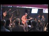 Ihâb Radwan PMC Guitars Byblos (oud guitare) Seymour Duncan, Two Notes Torpedo, Elmwood (Percus)