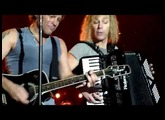 I'll Be There for you + Something for the pain - Bon Jovi live in Paris (June 16, 2010)