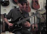 """Ernesto's Gitarrentest """"Krasse Gitarren"""" Stratacoustic für Online Gitarrenunterricht"""