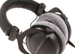 Studio headphones