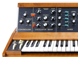 Claviers synthétiseurs analogiques