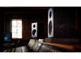 The best 8-inch powered monitor speakers for less than 700€ per pair