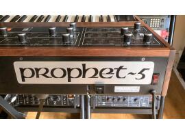 Test du synthétiseur analogique Sequential Prophet-5 Rev2