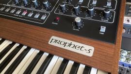 Test du synthétiseur analogique Sequential Prophet-5 Rev3