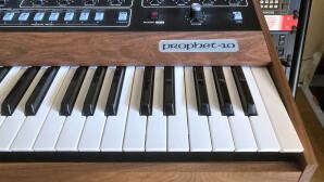Test du synthétiseur analogique Sequential Prophet-5 Rev4