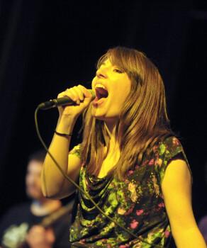 Donne cours de chant