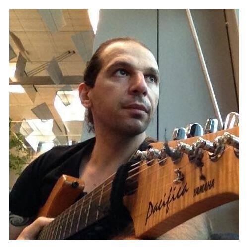 Professeur de guitare à ATLA  cours particuliers ( par video inclus)