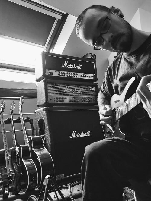 Cours de guitare tout styles dans le Val d'Oise.