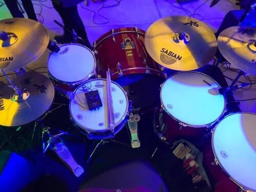 Batteur cherche groupes/artistes