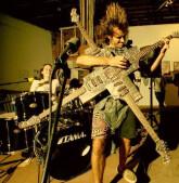 Groupe recherche guitariste rythmique pour groupe reprise Rock  90s 2000s Paris