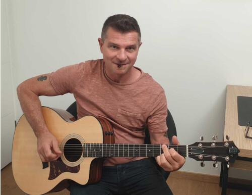 Guitariste expérimenté cherche groupe
