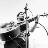 Guitariste cherche des musiciens pour faire des boeufs