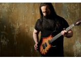 Music Man célèbre 20 ans de collaboration avec John Petrucci