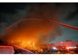Un entrepôt de Boutique Amps Distribution détruit par les flammes
