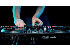 Rane One, compatible avec Djay Pro AI et Virtual DJ