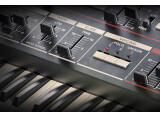 Découvrez le Model 84 Polyphonic Synthesizer de Softube