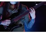 La série AZ accueille un nouveau modèle 7 cordes chez Ibanez