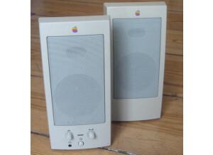 Apple M6082